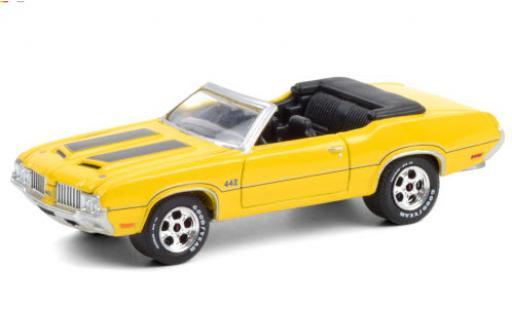 Oldsmobile 442 1/64 Greenlight Convertible yellow/black 1970 diecast model cars
