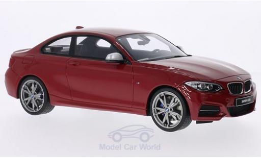 Bmw M2 F22 1/18 GT Spirit 35i  metallise rosso Türen und Hauben geschlossen modellino in miniatura