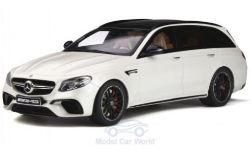 Mercedes Classe E 1/18 GT Spirit AMG E63 T-Modell metallise blanche 2019 miniature