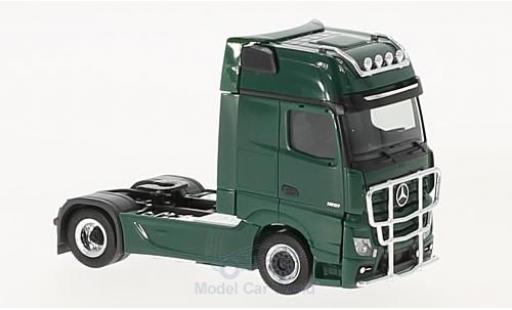 Mercedes Actros 1/87 Herpa Gigaspace Zugmaschine verte 2011 mit Lampenbügel & Rammschutz miniature