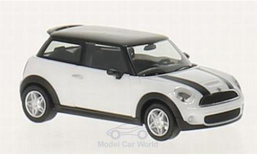 Mini Cooper S 1/87 Herpa blanche/noire miniature