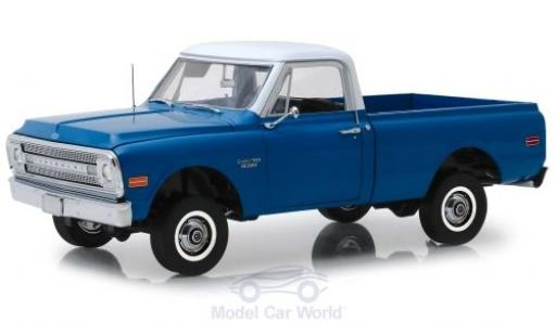 Chevrolet C-10 1/18 Highway 61 Pick Up bleue/blanche 1970 with Lift Kit miniature