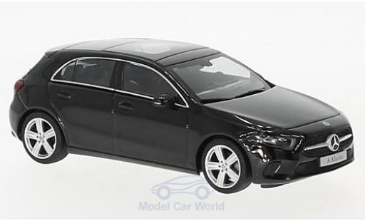Mercedes Classe A 1/43 Herpa (W177) metallise noire miniature