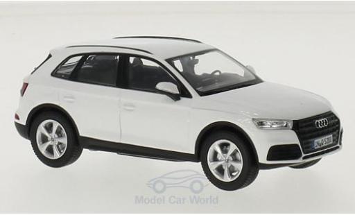 Audi Q5 1/43 iScale white 2016 diecast model cars
