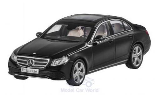 Mercedes Classe E 1/43 iScale noire miniature