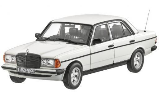 Mercedes 200 1/18 I Norev (W123) blanche mit AMG-Bodykit miniature