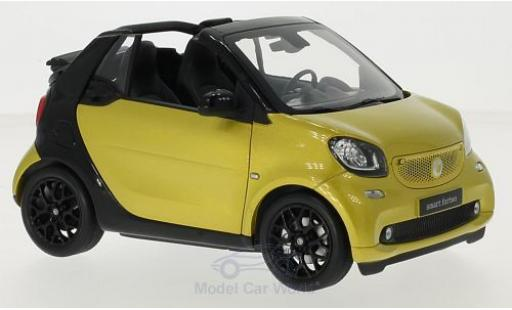 Smart ForTwo 1/18 Norev fortwo Cabrio (A453) metallise yellow/black Softtop liegt bei diecast model cars