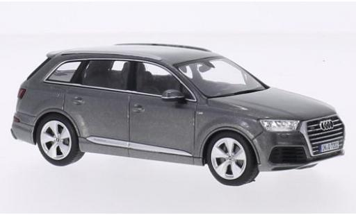 Audi Q7 1/43 I Spark metallise grey 2015 diecast model cars