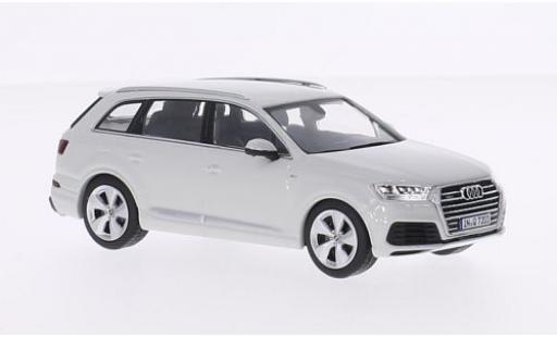 Audi Q7 1/43 I Spark white 2015 diecast model cars