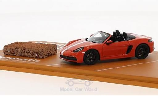 Porsche Boxster 1/43 Spark 718 GTS orange/white 2018 Tennis Grand Prix mit einem Stück original Tennisboden diecast model cars