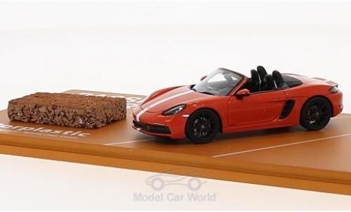 Porsche Boxster 1/43 Spark 718 GTS orange/blanche 2018 Tennis Grand Prix mit einem Stück original Tennisboden miniature
