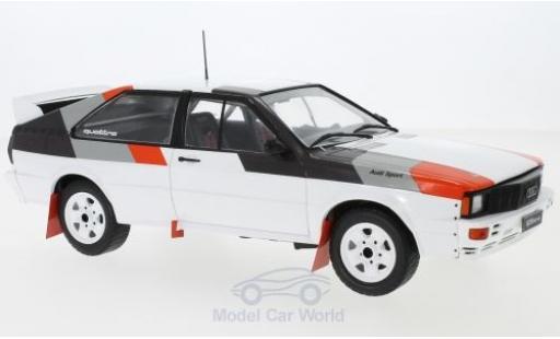 Audi Quattro 1/18 IXO quattro blanche/Dekor 1982 Rally Spec miniature