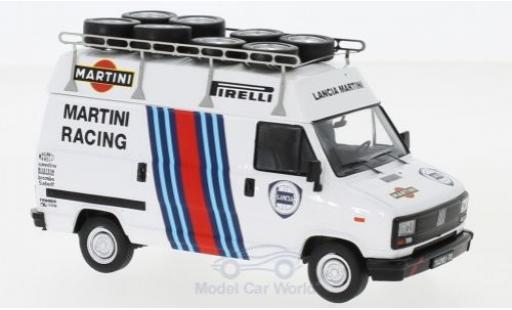 Fiat Ducato 1/43 IXO Lancia Martini Martini Rallye WM 1984 mit Dachträger und Reifen miniature