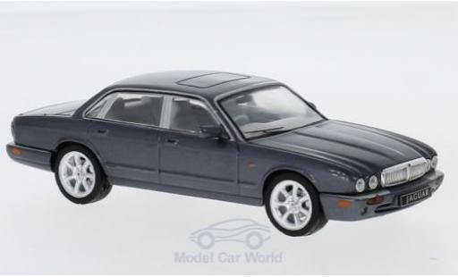 Jaguar XJ 1/43 IXO 8 (X308) metallise grey RHD 1998 diecast model cars