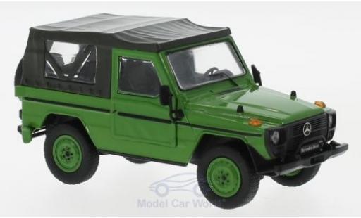 Mercedes 240 1/43 IXO G SWB Softtop verte 1986 miniature