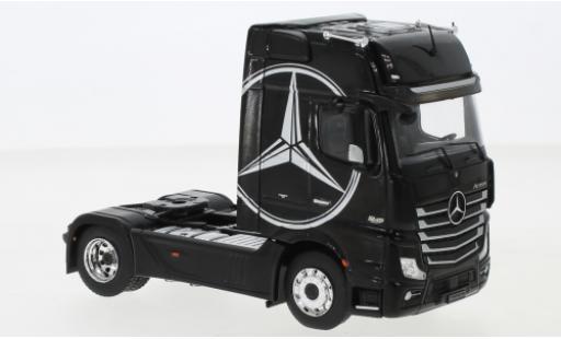 Mercedes Actros 1/43 IXO MP4 black/Dekor 2012 diecast model cars