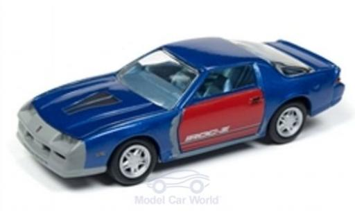 Chevrolet Camaro Z28 1/64 Johnny Lightning Z28 IROC-Z metallise bleue/rouge 1987 Tuning miniature