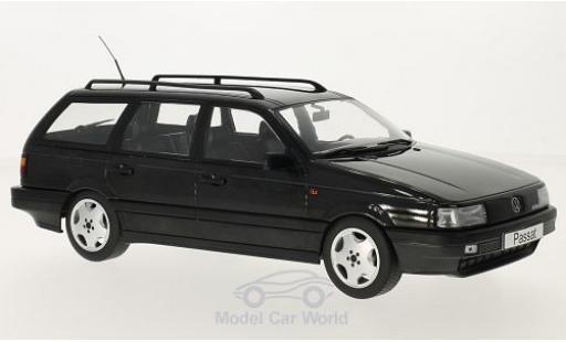 Volkswagen Passat 1/18 KK Scale (B3) Variant noire 1988 miniature