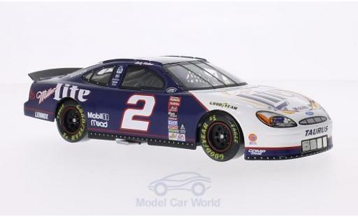 Ford Taurus 1/24 Lionel Racing No.2 Miller Lite Nascar 2000 inklusive Podest mit Leitplanke R.Wallace miniature
