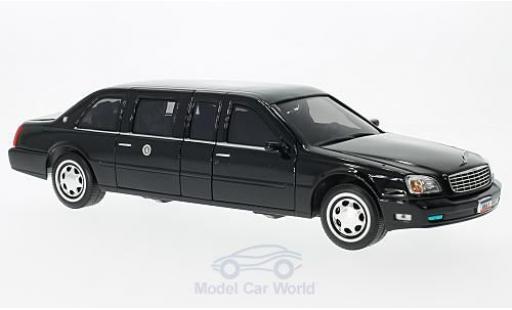 Cadillac Deville 1/24 Lucky Die Cast DeVille Presidental Limousine noire 2001 Standarten liegen bei miniature