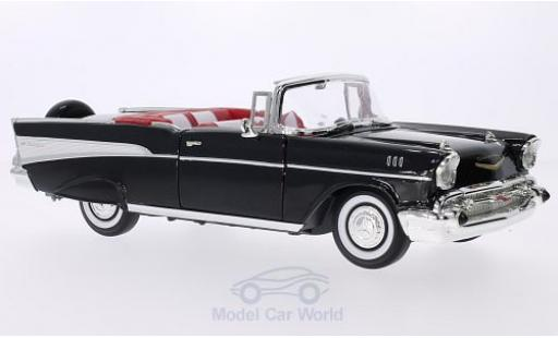 Chevrolet Bel Air 1957 1/18 Lucky Die Cast Convertible noire/blanche 1957 miniature