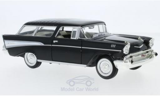 Chevrolet Nomad 1/24 Lucky Die Cast noire/blanche 1957 miniature