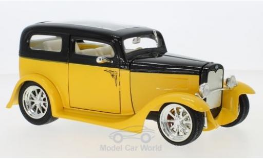 Ford Model A 1/18 Lucky Die Cast Sedan jaune/noire 1931 ohne Vitrine miniature