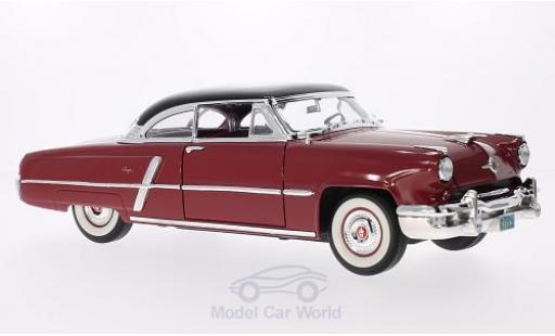 Lincoln Capri 1/18 Lucky Die Cast rouge/noire 1952 miniature