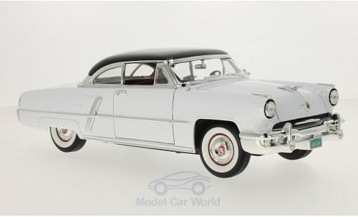 Lincoln Capri 1/18 Lucky Die Cast blanche/noire 1952 miniature