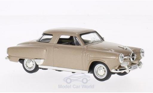 Studebaker Champion 1/43 Lucky Die Cast métallisé beige 1950 ohne Vitrine miniature