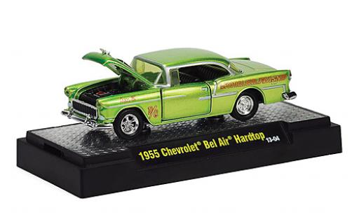 Chevrolet Bel Air 1/64 M2 Machines Hardtop Tuning metallise verte 1955 Capot et les portes avec fonction in PC-Box Wild Cards miniature