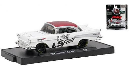 Chevrolet Bel Air 1/64 M2 Machines blanche/rouge Holley LS Fest 1957 miniature