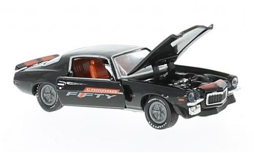 Chevrolet Camaro 1/64 M2 Machines Z/28 RS nero/orange 1970 Fifty Years modellino in miniatura