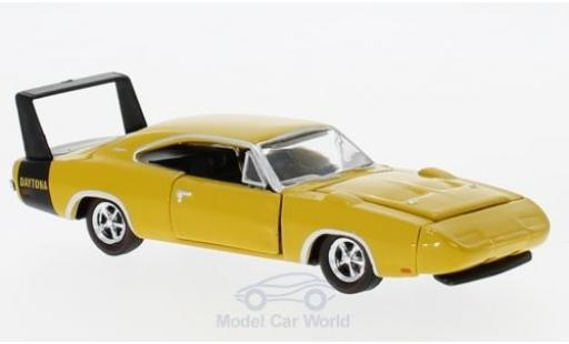 Dodge Charger Daytona 1/64 M2 Machines Daytona 440 jaune 1969 miniature