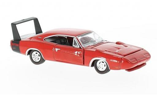 Dodge Charger 1/64 M2 Machines Daytona 440 rouge 1969 Detroit-Muscle Release 38 miniature