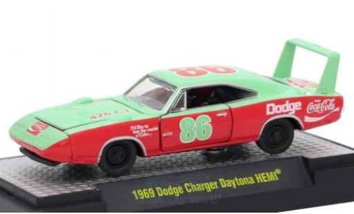 Dodge Charger Daytona 1/64 M2 Machines HEMI verte/rouge Coca Cola 1969 miniature