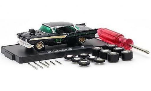 Ford Fairlane 1/64 M2 Machines 500 noire ET Mags 1957 y compris les 12 Roues de remplacement 6 axas et 1 Schraubenzieher voiture-Wheels Release 06 miniature