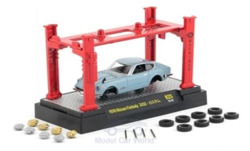 Nissan Fairlady Z 1/64 M2 Machines 432 bleue RHD 1970 Model-Kit Bausatz inklusive 4 Ersatzrädern miniature