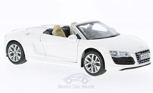 Audi R8 1/24 Maisto Spyder blanco miniatura