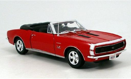 Chevrolet Camaro 1/18 Maisto SS 396 Cabriolet rosso 1967 sans Vitrine modellino in miniatura