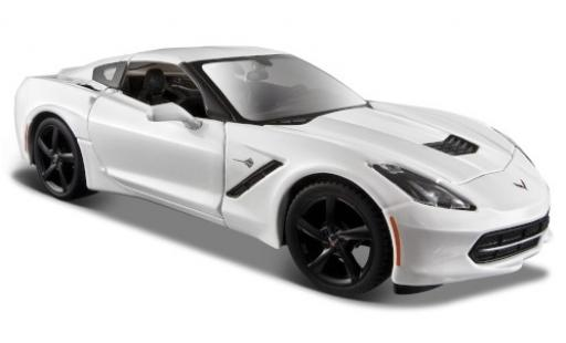 Chevrolet Corvette 1/24 Maisto Stingray (C7) white 2014 diecast model cars