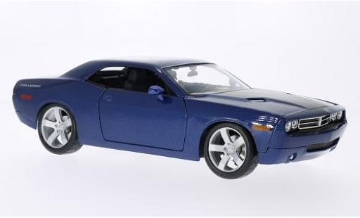 Dodge Challenger 1/18 Maisto Concept metallise blue/matt-black 2006 diecast model cars