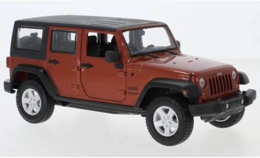 Jeep Wrangler 1/24 Maisto Limited metallise orange 2015 miniature