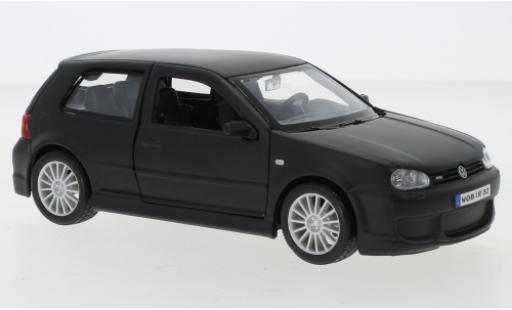 Volkswagen Golf 1/24 Maisto IV R32 matt-negro 2006 coche miniatura