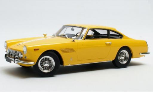 Ferrari 250 1/18 Matrix GTE 2+2 yellow 1960 diecast model cars