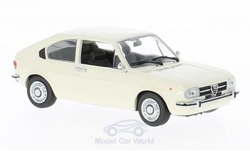 Alfa Romeo Alfasud 1/43 Maxichamps blanche 1972 miniature