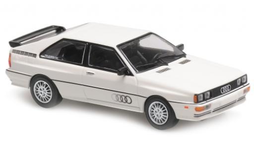 Audi Quattro 1/43 Maxichamps blanche/Dekor 1980 miniature