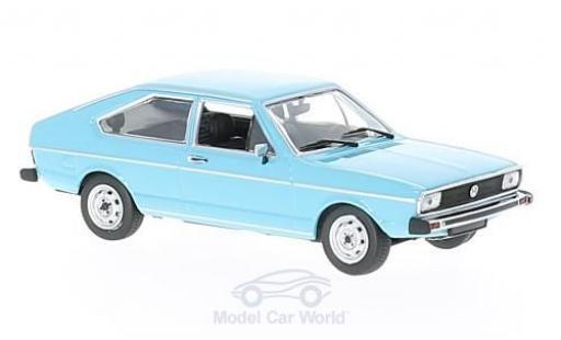 Volkswagen Passat 1/43 Maxichamps bleue 1975 miniature