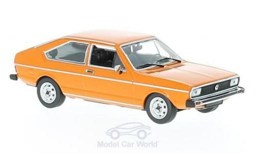 Volkswagen Passat 1/43 Maxichamps orange 1975 miniature