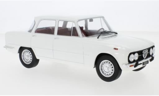 Alfa Romeo Giulia 1/18 MCG Nuova Super blanche 1974 miniature